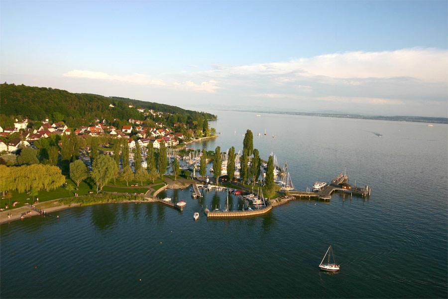 Unteruhldingen liegt direkt am Bodensee
